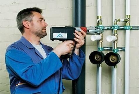 Установка и замена стояков горячего и холодного водоснабжения